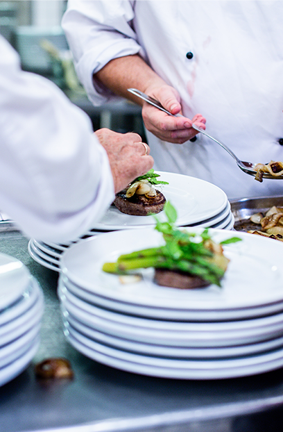 Restaurant les délices de lavoute en bord de loire auvergne chef Alexandra Tomas